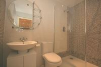 En-Suite Shower 3