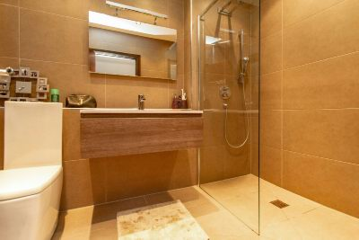 En Suite Shower 2