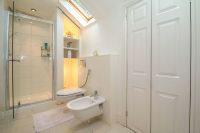 En Suite Shower 6