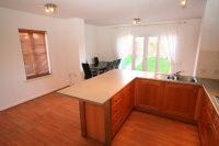 Living Kitchen Photo 2