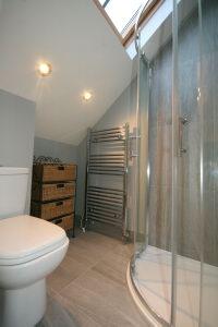 Bedroom 2 En-Suite Shower 2