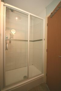 En-Suite Shower 2