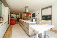 Live In Breakfast Kitchen 2