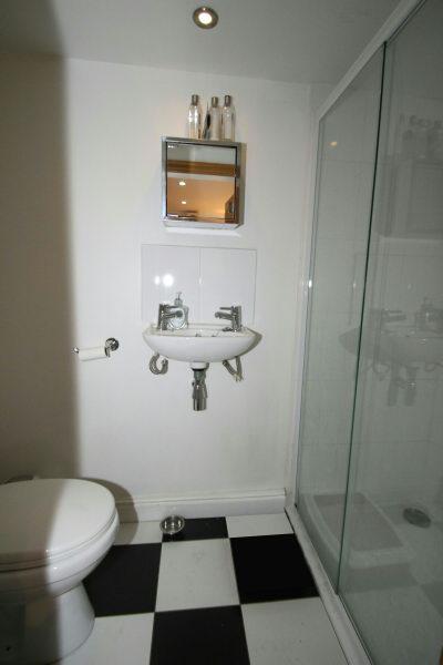 LGF Shower Room