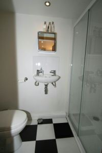 LGF Shower Room
