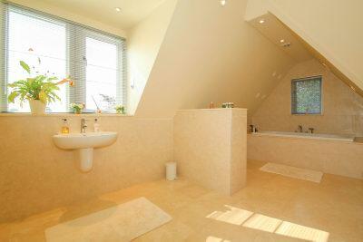 Guest En Suite Bathroom