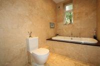 Principal Bathroom 1