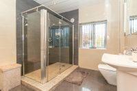 Family Shower Room 2