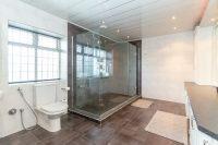 Principal Shower Room 1
