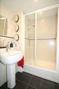 En Suite Shower 1 Aspect 2