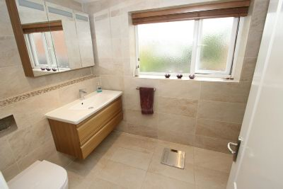 En Suite Shower Aspect 2