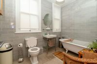 Family Bathroom 3